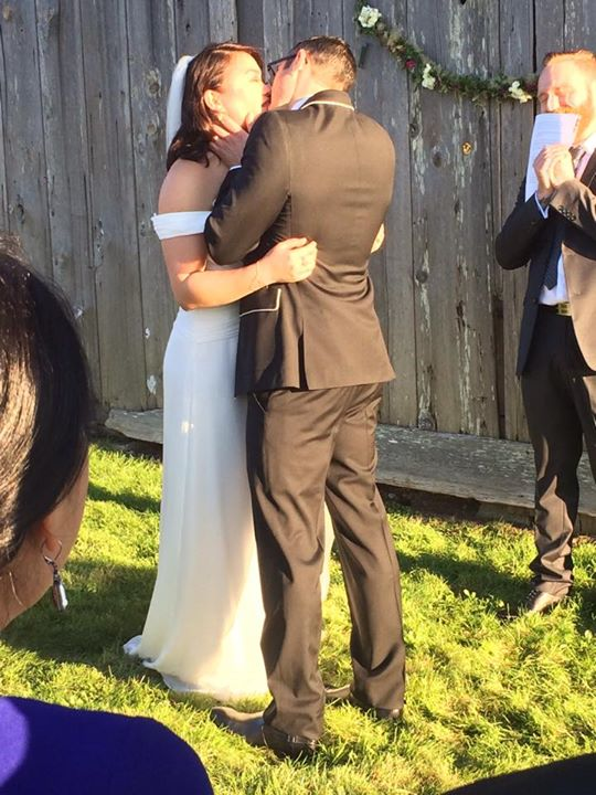 kiss-the-bride